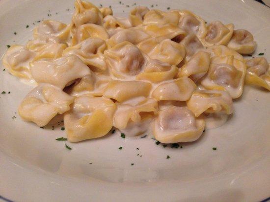 Osteria Vivaldi: Tortellini con panna