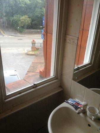 Hillingdon Prince Hotel: nice bathroom privacy