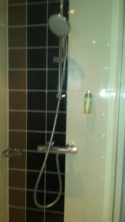 WestCord City Centre Hotel Amsterdam: Powerful shower with big head
