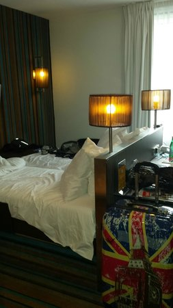 WestCord City Centre Hotel Amsterdam : Strange bedroom layout