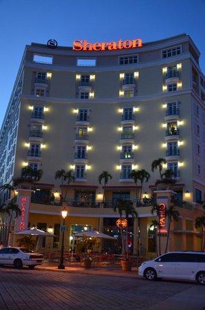 Sheraton Old San Juan Hotel : FACHADA DEL HOTEL