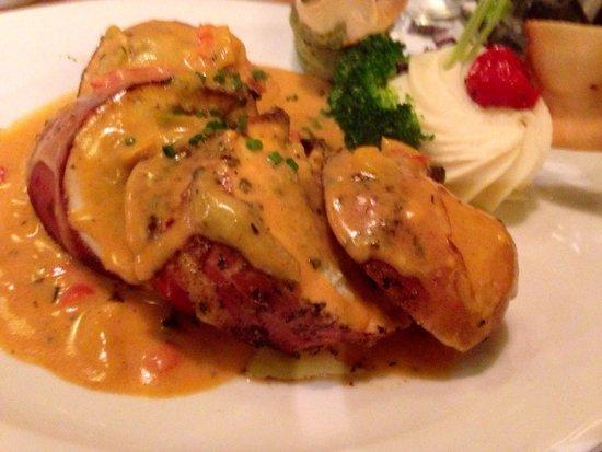 Spijshuis de Dis Restaurant: Stuffed chicken