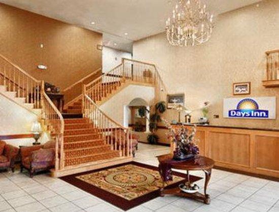 Days Inn & Suites Atoka: Lobby