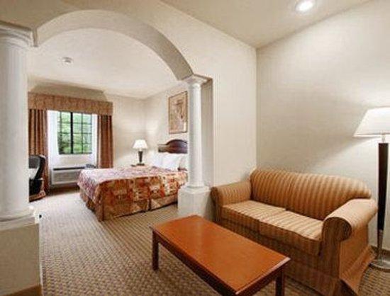 Days Inn & Suites Atoka: Suite 1