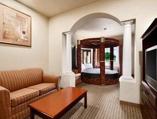 Days Inn & Suites Atoka: Suite 2