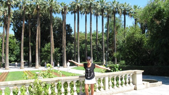 Attalos Hotel: National Gardens - one way to beat the heat in the shade!