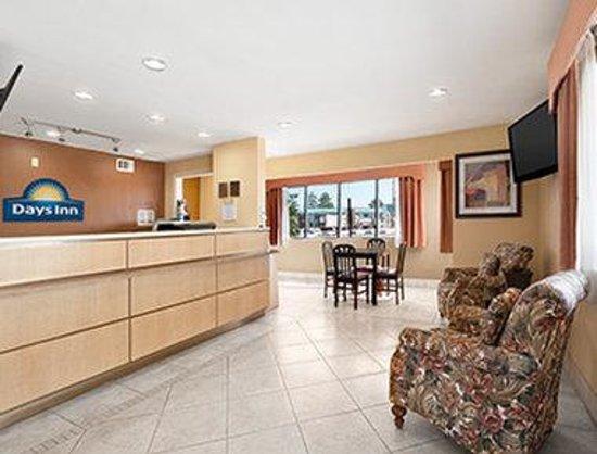 Days Inn Corsicana TX: Lobby