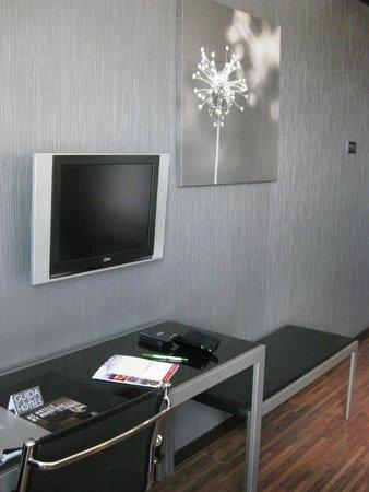 AC Hotel Firenze : tv