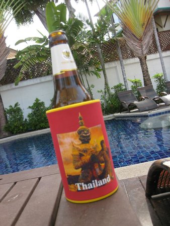 Novotel Samui Resort Chaweng Beach Kandaburi : Beer by the pool