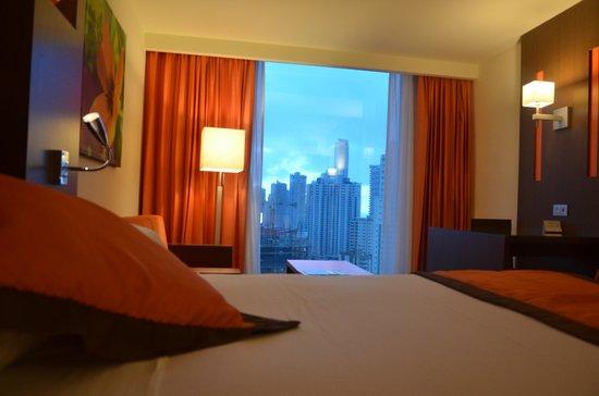 Hotel Riu Plaza Panama : HABITACIÓN ESTÁNDAR