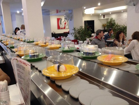 Umi Sushi Wok: Sushi bar