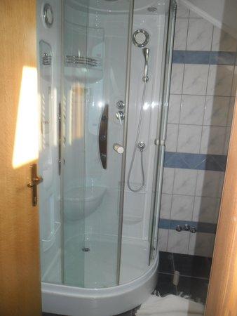 Seosko Gospodarstvo Lackovic: The bathroom