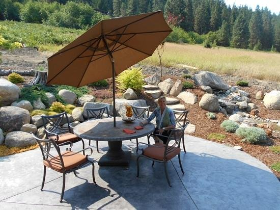 Peak View Haus: breakfast patio