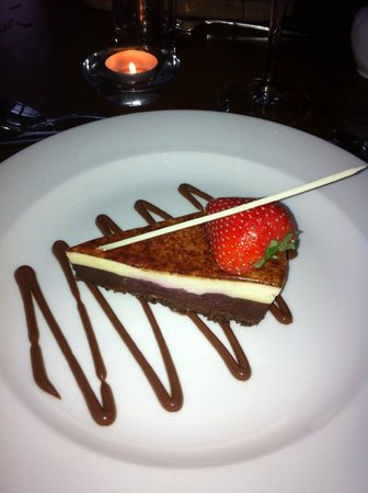 Mercure Sheffield St Paul's Hotel: Beautiful dessert from the hotel restaurant