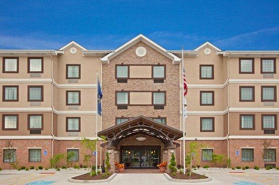 Staybridge Suites South Bend - University Area: Hotel Exterior