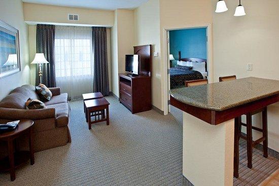 Staybridge Suites South Bend - University Area : Suite