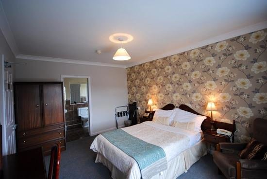 Ardree House : Lovely Bedroom
