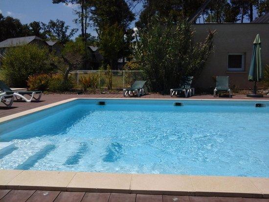 Relais du Plessis Resort : zwembad