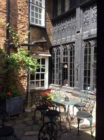 The Luttrell Arms: The Courtyard