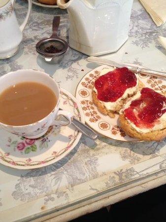 cream tea at the vintage cake house