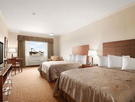 Ramada College Station : Standard Two Queen Room