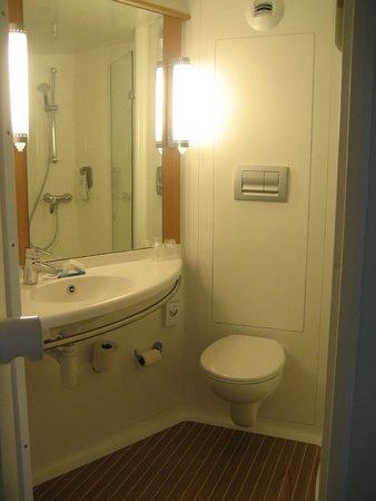 Ibis Brighton City Centre Station The Bathroom Pod