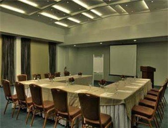 Microtel Inn & Suites by Wyndham Mall of Asia: Meeting Room