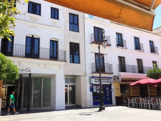 Hotel Barrameda: Fachada principal del hotel