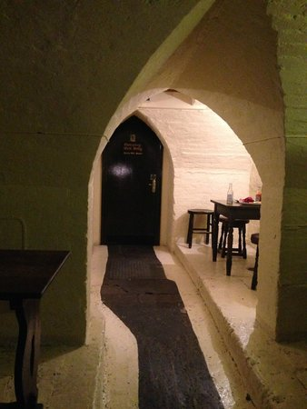 Ye Olde Cheshire Cheese: One of the small rooms downstairs
