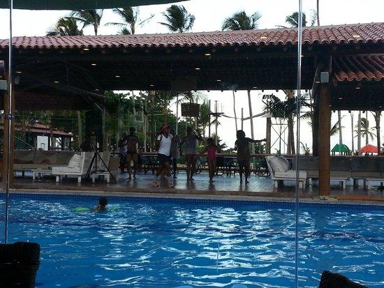 Porto Seguro Praia Resort: Área da piscina com atividades