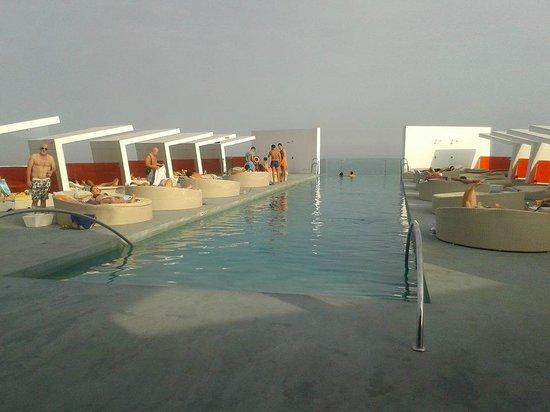 DoubleTree by Hilton Hotel Resort & Spa Reserva del Higueron : endless pool