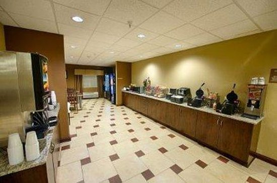 Microtel Inn & Suites by Wyndham Michigan City : Breakfast Area
