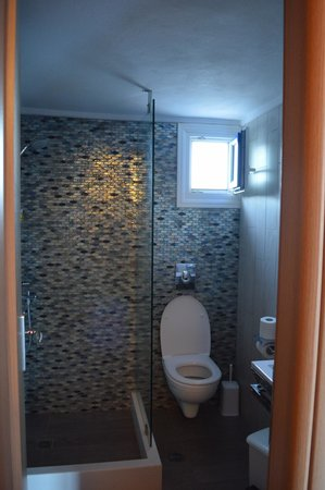 Summer Time Pension : Bathroom