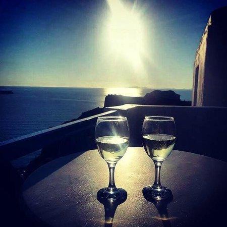 Esperas: Sunset on the balcony