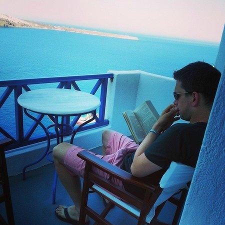 Esperas : just on the balcony