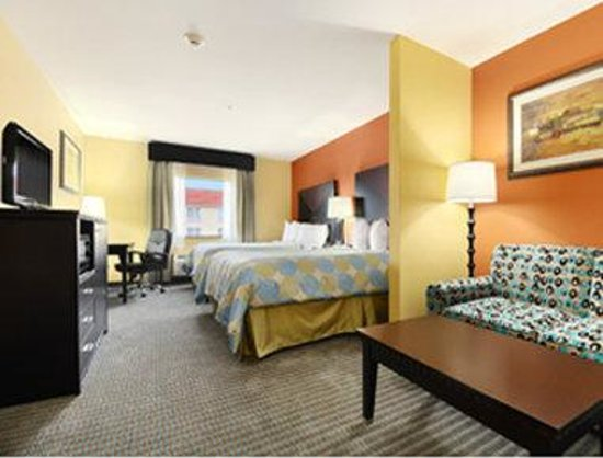 Days Inn & Suites Russellville: Two Queen Suite