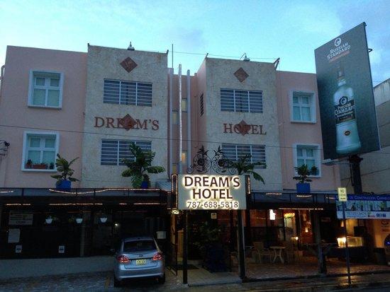 Dreams Hotel Puerto Rico: Outside
