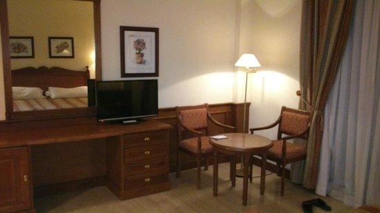 Hotel Zentral Center: Habitación