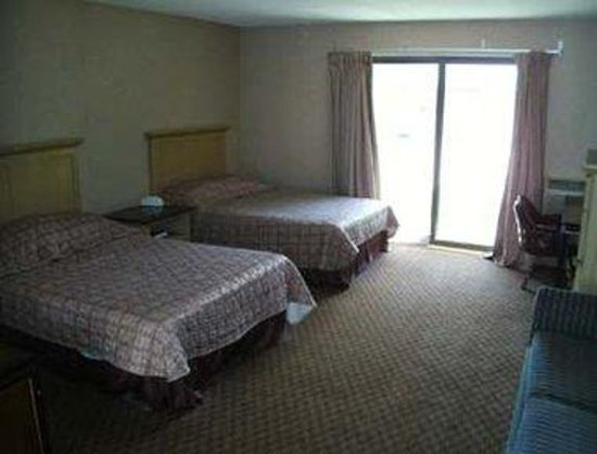 Moosup, CT: Guest Room with 2 Beds