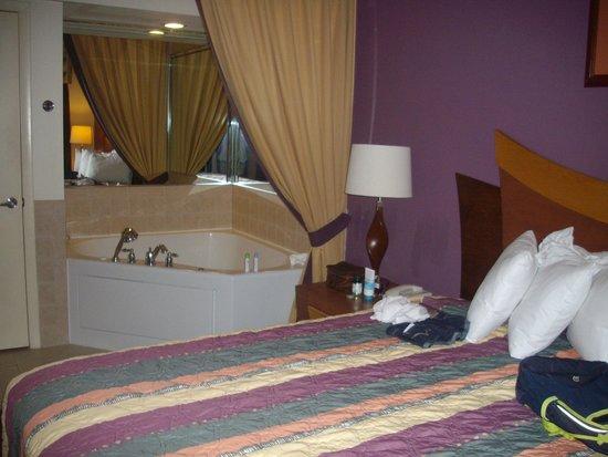 Westgate South Beach Oceanfront Resort: banheira de hidromassagem....maravilhosa