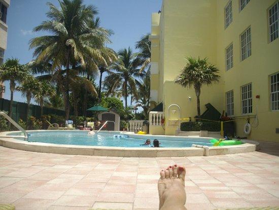 Westgate South Beach Oceanfront Resort: piscina muito bem cuidada