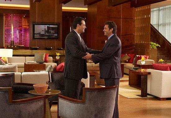 JW Marriott Hotel Bogota: Lobby Sitting Area