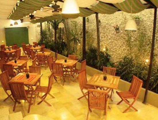 Howard Johnson Hotel Versalles Barranquilla : Terrace