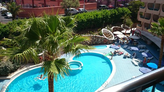 Piscina picture of mur aparthotel buenos aires playa for Piscina playa del ingles