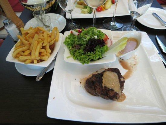 Cafedraal: tournedos et ces frites