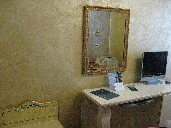 Hotel Principe : room 303