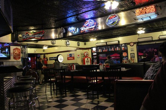 Cruisers Cafe 66: good place to eat