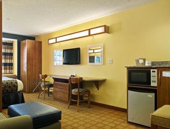 Microtel Inn & Suites by Wyndham Dickson City/Scranton : Guest Room