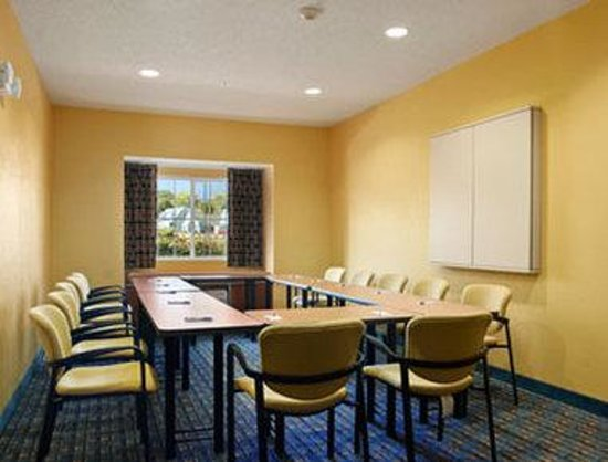 Microtel Inn & Suites by Wyndham Dickson City/Scranton: Meeting Room