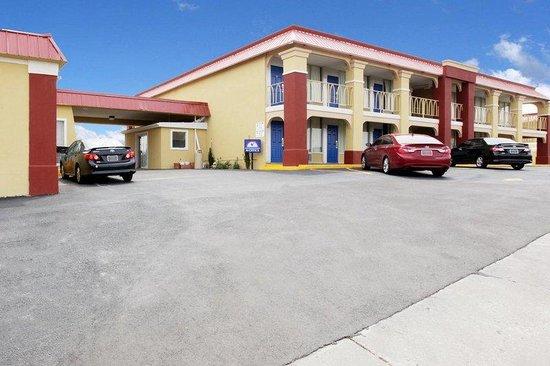 Americas Best Value Inn Weatherford : Exterior